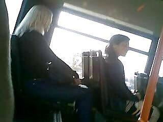 બાઇક હિન્દી અભિનેત્રી સેક્સી જાહેર નગ્નતા વિડિઓ સાહસિક પાર્કમાં