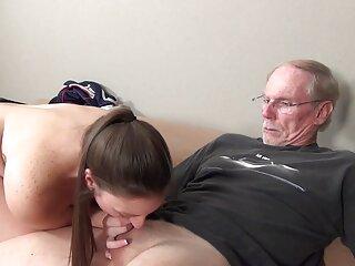 તેનો પુત્ર રાહત જાતીય તણાવ bf હિન્દી જૂના યુવાન dehati મદદ કરે છે